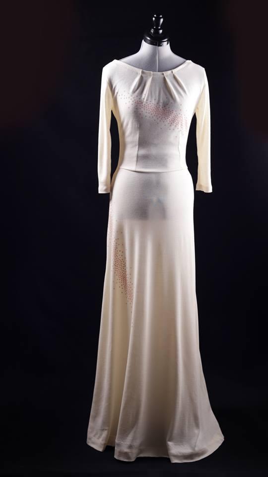 Schnittmuster-Baukasten VIDALITA als Brautkleid aus Wolle/Seide von vorne