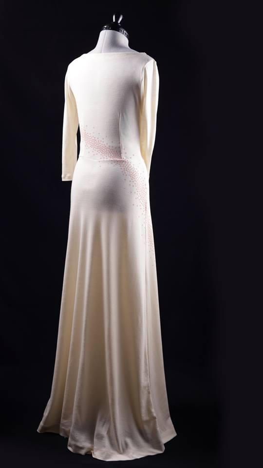Schnittmuster-Baukasten VIDALITA als Brautkleid aus Wolle/Seide von hinten